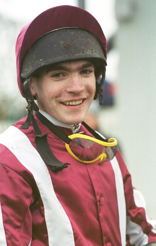 Donal Fahy rides at Huntingdon