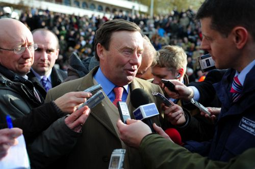 Nicky Henderson has another good one in Rolling Star