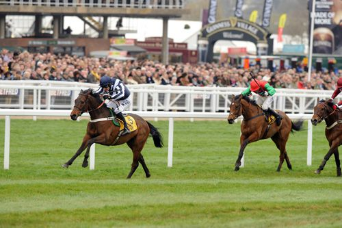 Countrywide Flame winning Triumph Hurdle