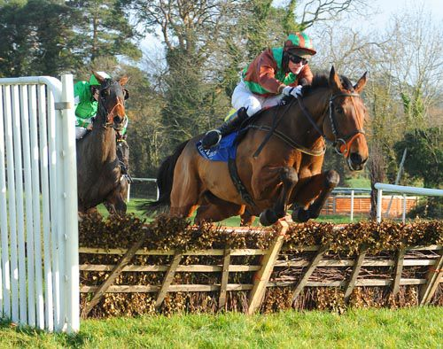 Chu Chu Thomas & Harley Dunne lead Short Grass home at Clonmel