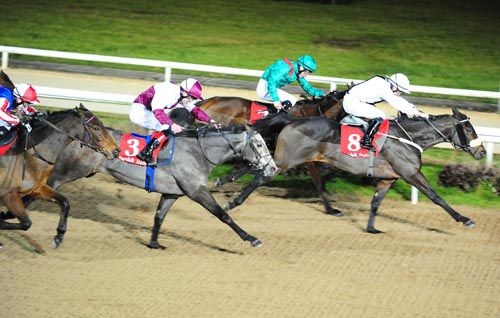 Victor's Beach stays on well to hold all Dundalk challengers
