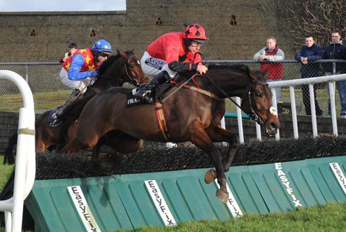 Starkie lands in front of Moveable Asset at Tramore